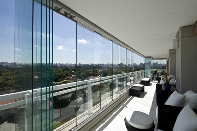 Innglassing fra gulv til tak